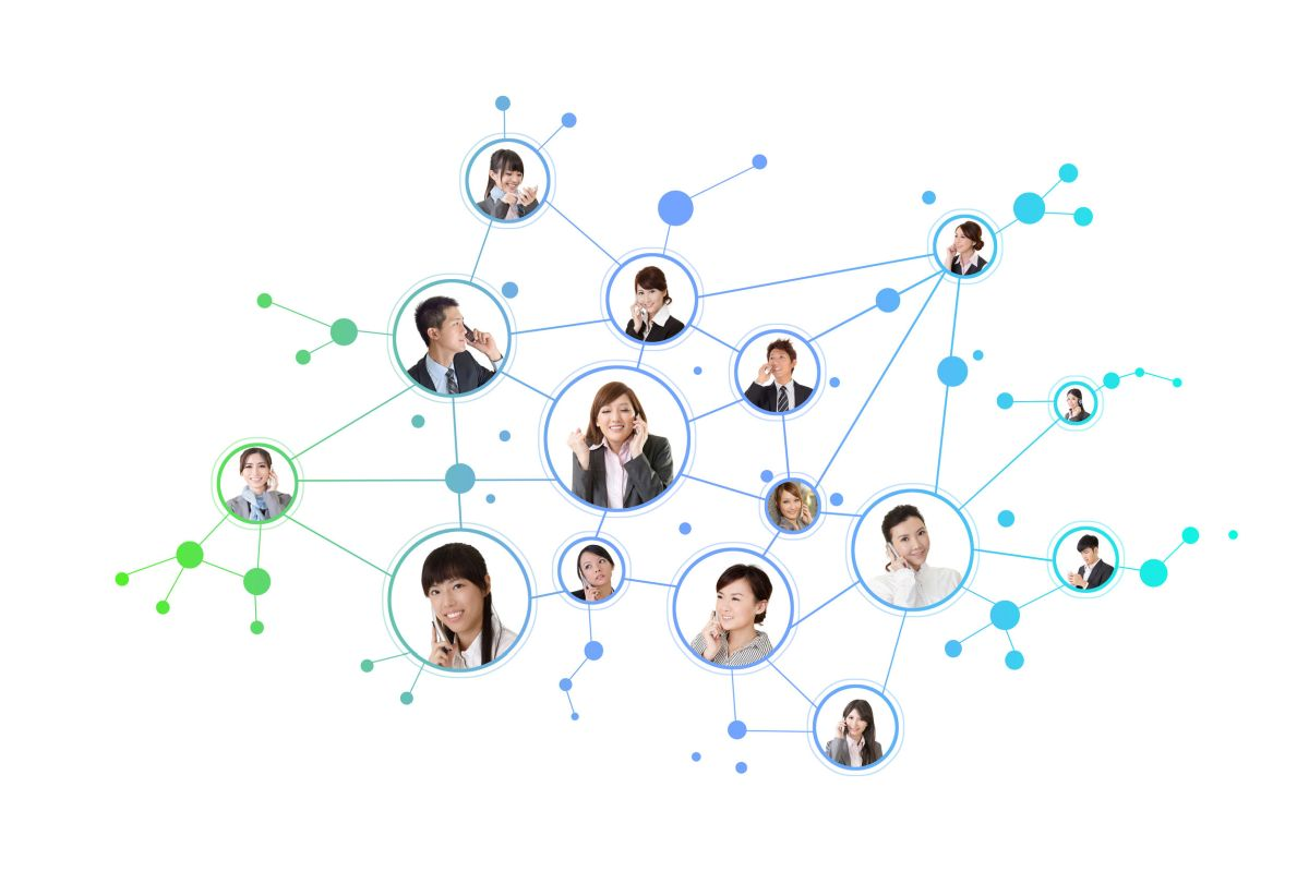 network of faces representing the scope of rare disease clinical trials